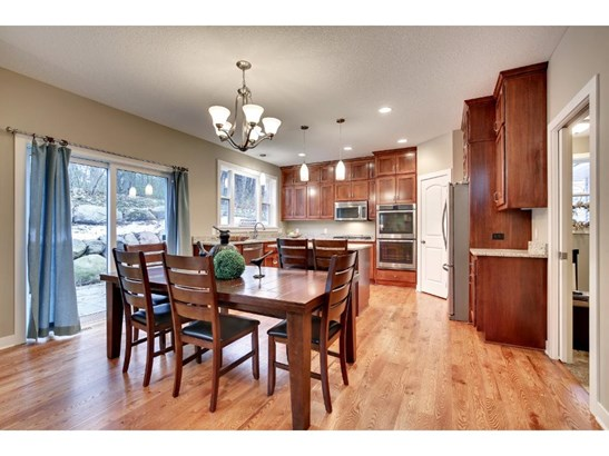 1000 Chatsworth Place, Shoreview, MN - USA (photo 4)