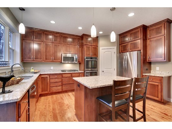 1000 Chatsworth Place, Shoreview, MN - USA (photo 5)