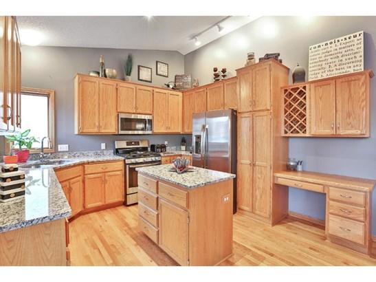 10014 Hidden Oaks Lane N, Champlin, MN - USA (photo 3)