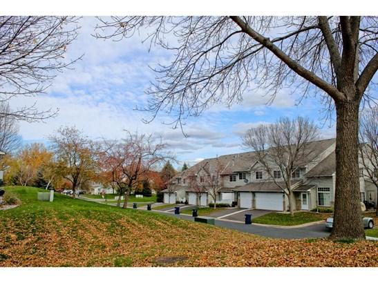 1633 Riverwood Drive, Burnsville, MN - USA (photo 2)