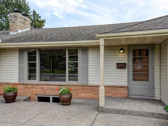 6105 Chowen Avenue S, Edina, MN - USA (photo 2)