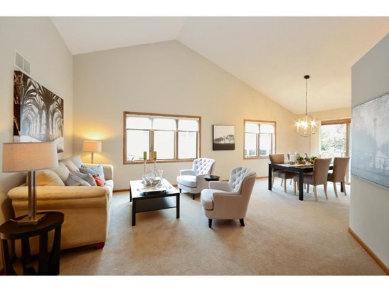 8324 Norman Creek Trail, Bloomington, MN - USA (photo 2)