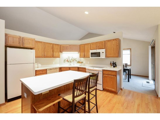 8324 Norman Creek Trail, Bloomington, MN - USA (photo 4)