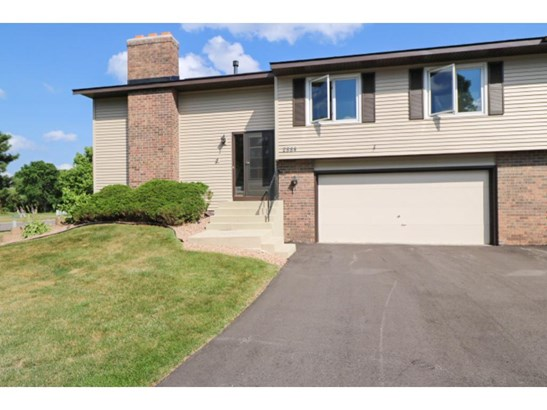 2884 Castleford Court, Woodbury, MN - USA (photo 1)