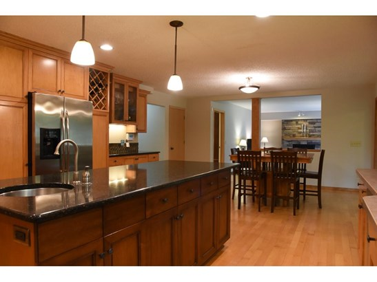 3919 Clippers Road, Eagan, MN - USA (photo 3)