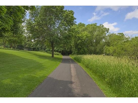 250 Lily Pond Lane, Vadnais Heights, MN - USA (photo 4)
