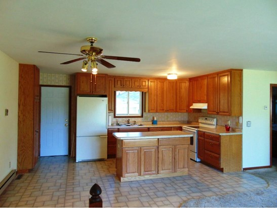 313 Howard Avenue S, Amery, WI - USA (photo 2)