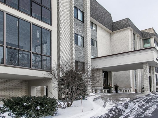 4075 W 51st Street #208, Edina, MN - USA (photo 2)