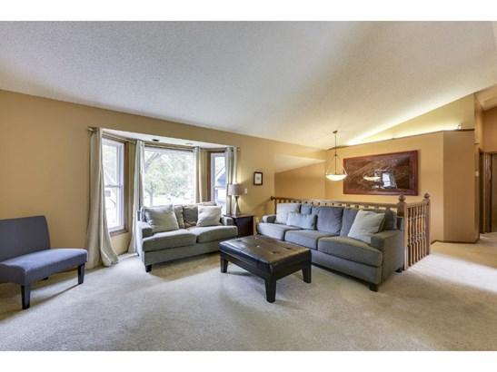 2201 Westcliffe Court, Burnsville, MN - USA (photo 3)