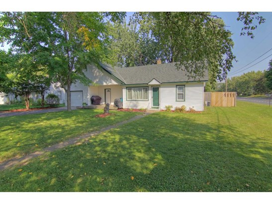 2185 County Road H2, Mounds View, MN - USA (photo 1)