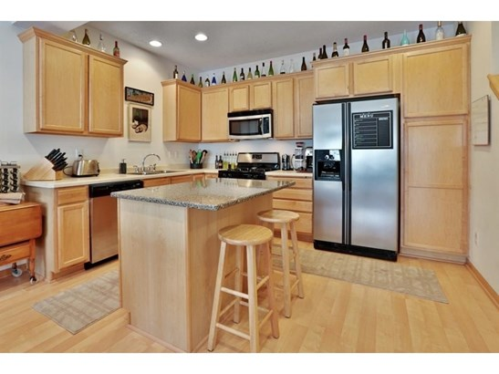 15551 Dunraven Drive #1313, Apple Valley, MN - USA (photo 5)