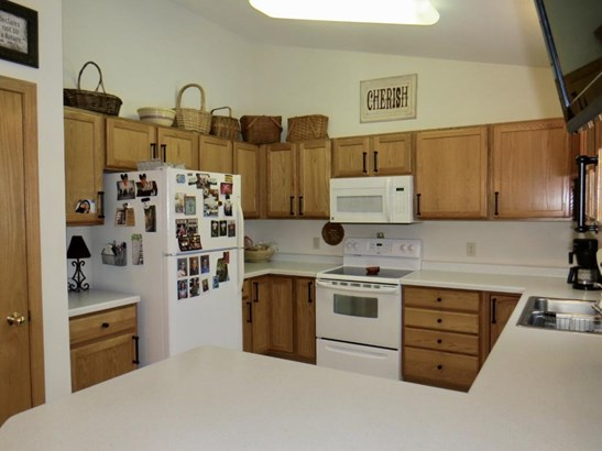 405 Roosevelt Drive, Dresser, WI - USA (photo 4)