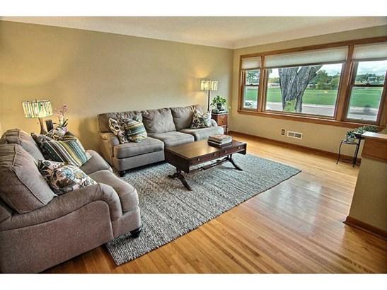 3636 Regent Avenue N, Robbinsdale, MN - USA (photo 2)
