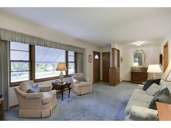 2662 Parkview Boulevard, Robbinsdale, MN - USA (photo 5)