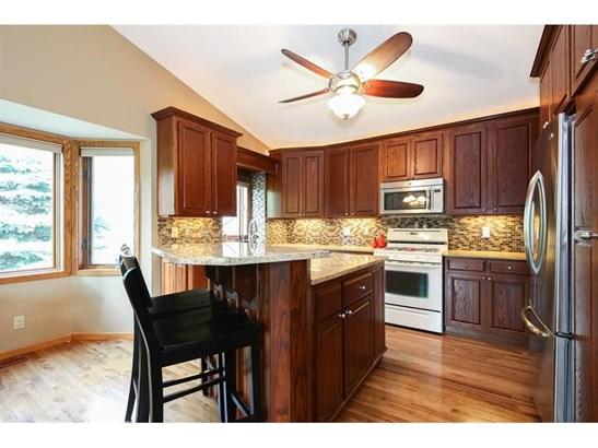 2916 Parkridge Knolls, Burnsville, MN - USA (photo 2)
