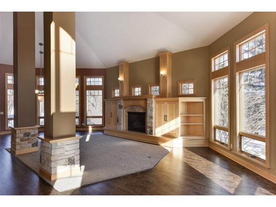 23210 Woodland Ridge Drive, Lakeville, MN - USA (photo 2)