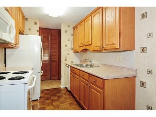 2800 Hamline Avenue N #306, Roseville, MN - USA (photo 2)