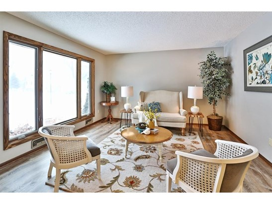 14678 Dominica Court, Apple Valley, MN - USA (photo 2)