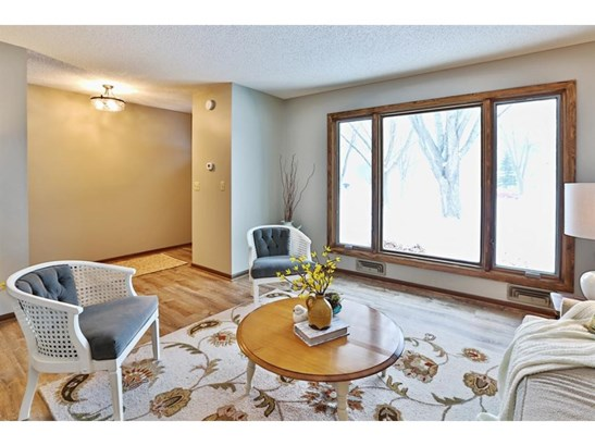14678 Dominica Court, Apple Valley, MN - USA (photo 3)