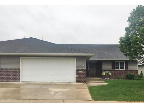 220 Valley View Drive Se, Willmar, MN - USA (photo 1)