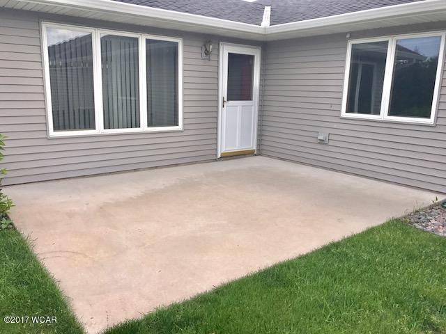 220 Valley View Drive Se, Willmar, MN - USA (photo 2)