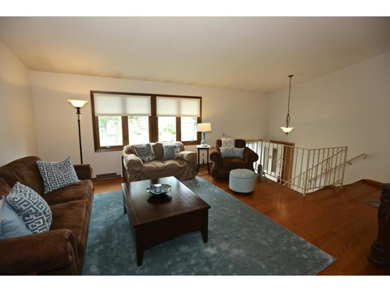 567 Springhill Road, Vadnais Heights, MN - USA (photo 3)