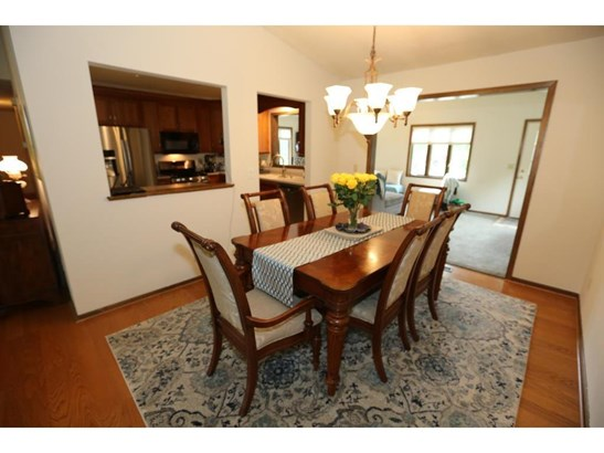 567 Springhill Road, Vadnais Heights, MN - USA (photo 5)