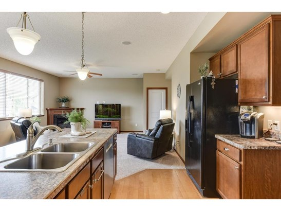 1241 Pine Square, Waconia, MN - USA (photo 5)