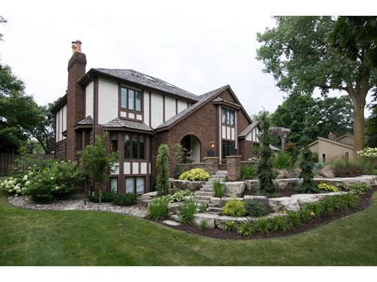 13225 Cardinal Creek Road, Eden Prairie, MN - USA (photo 2)