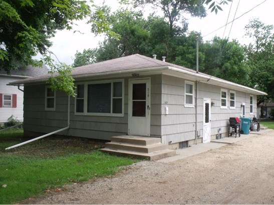 415 10th Street Se, Waseca, MN - USA (photo 1)