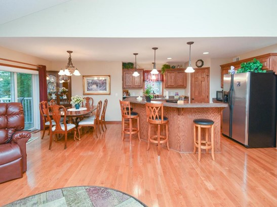 10446 Meadow Lane N, Brooklyn Park, MN - USA (photo 3)