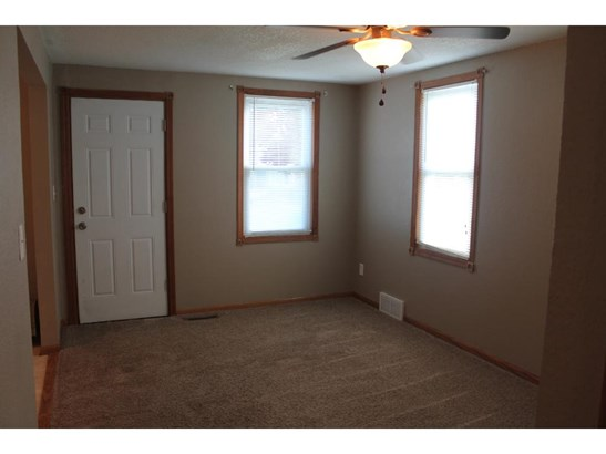 572 Ne Mineral Springs Road, Owatonna, MN - USA (photo 5)