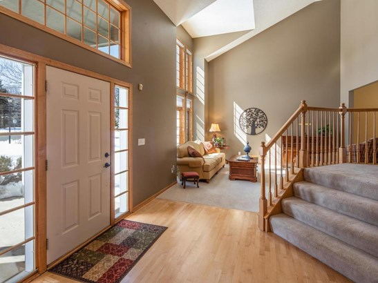 7348 Fawn Hill Road, Chanhassen, MN - USA (photo 3)