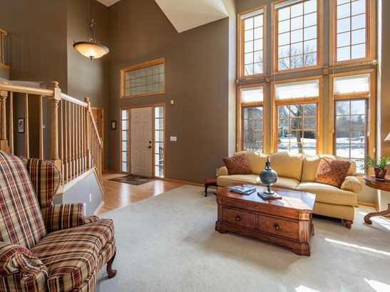 7348 Fawn Hill Road, Chanhassen, MN - USA (photo 4)