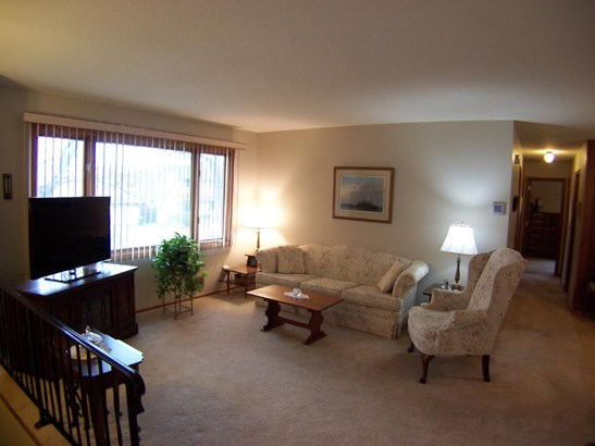 1742 Spruce Drive, Red Wing, MN - USA (photo 3)