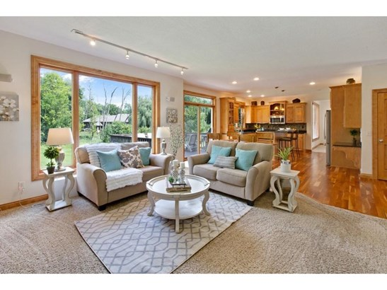 4080 Pipewood Court, Chanhassen, MN - USA (photo 3)