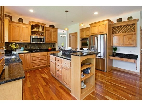4080 Pipewood Court, Chanhassen, MN - USA (photo 4)