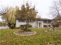 10211 Johnson Circle, Bloomington, MN - USA (photo 1)