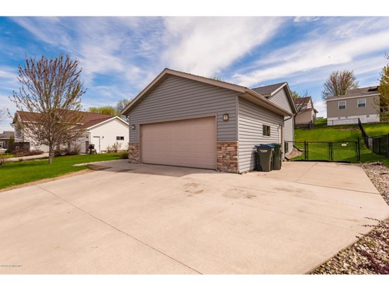 4702 Manor Brook Drive Nw, Rochester, MN - USA (photo 3)