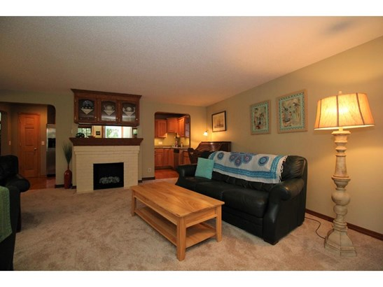 3285 Owasso Heights Road, Shoreview, MN - USA (photo 3)