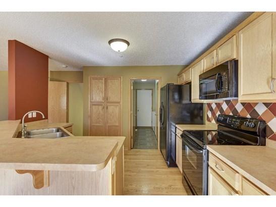 349 Pleasant Lane, Chaska, MN - USA (photo 5)