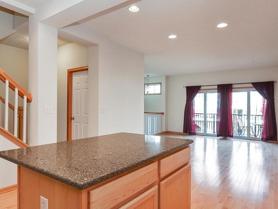 15526 Eagle Shore Drive #1210, Apple Valley, MN - USA (photo 5)