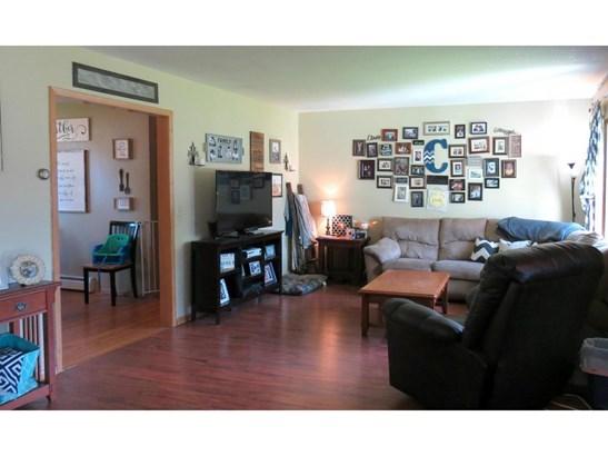 801 E Elm Avenue, Olivia, MN - USA (photo 3)