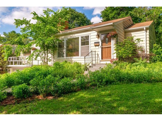 2416 Parkview Boulevard, Golden Valley, MN - USA (photo 1)