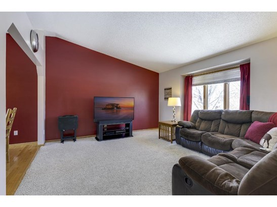 8219 Jensen Avenue S, Cottage Grove, MN - USA (photo 4)