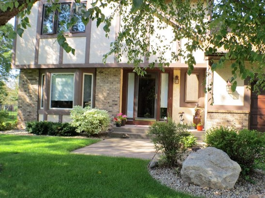 9013 Moorland Chase, Brooklyn Park, MN - USA (photo 2)