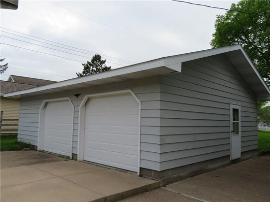 325 E Brown Street, Augusta, WI - USA (photo 2)
