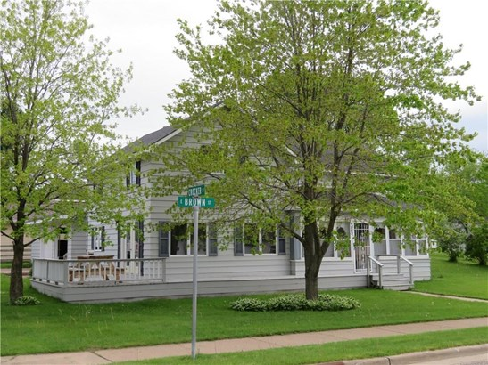 325 E Brown Street, Augusta, WI - USA (photo 3)