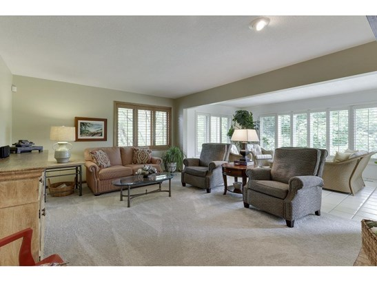 250 Lily Pond Lane, Vadnais Heights, MN - USA (photo 4)