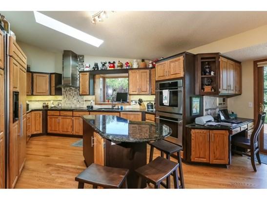 1281 Wyncrest Lane, Arden Hills, MN - USA (photo 4)